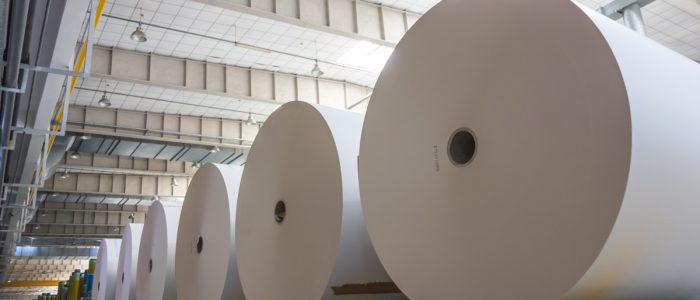 ¿Por qué el control de humedad es importante para la industria del papel?